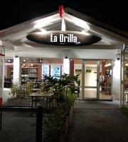 La Orilla resto-cafe