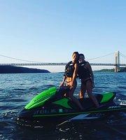 Esquí acuático y moto acuática