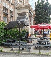 Ein-stein Cafe & Pub