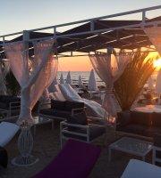 Musset Lounge & Beach