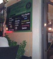 Tom Pouce Cafe