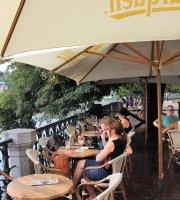 Cafe Manes