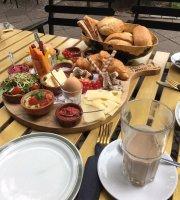 Café & Bar norah
