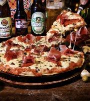 Macondo de Pizza Pazza Hotel - RestoBar