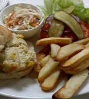 Charlie's Seafood & Pub