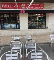 Cafeteria-Pasteleria/Heladeria Chico's