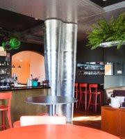 Vernon's Bar