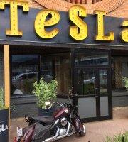 Tesla Food&Bar