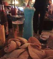 Ploenchit Pub & Restaurant