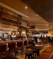 Nelligans Bar & Restaurant