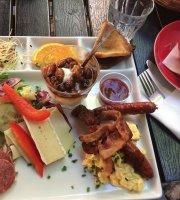 Quedens Gaard Cafe og Krambod