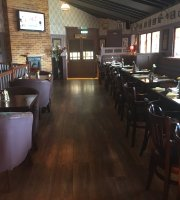 Ollies Bar and Lounge