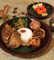 Warung Sungai Restaurant