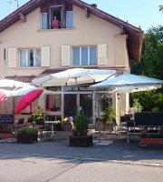 Le Cafe du Village