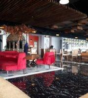 Scenic Resto & Lounge