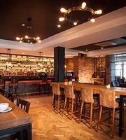 Oriel Bar & Bistro