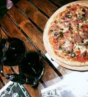 Dua Sejoli Pizza