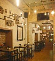 Rewind Café