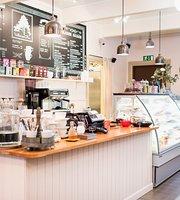 Valkoinen Puu Cafe & Shop