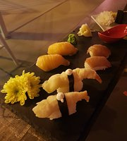 Sakura Sushi Cocktai & More