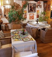 Le Katiolo - Chambres D'hotes - Restaurant Africain