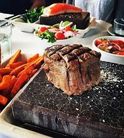 ‪Black Angus Bar & Grill‬