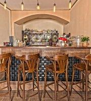 Josie bar