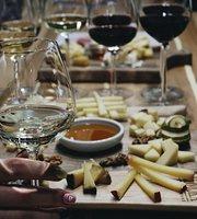 Le Komora Syr&Vino