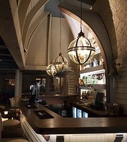 The Boathouse Bar Restaurant
