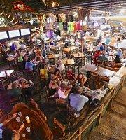Coconutz Sports Bar & Brew House
