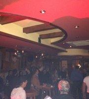 Lounge Pub Charlie
