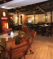 TRIVENTO Cafe Bistro