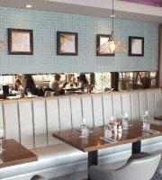 Angels Hotel - Bar & Restaurant