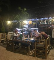 Eats Beach Bar & Restaurant