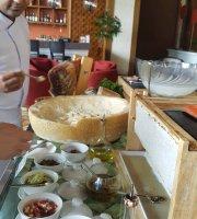 The Lobby Lounge - Shangri La Hotel (Chiang Mai)