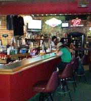 T Henery's Pub
