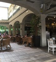 Mont Roig Cafe