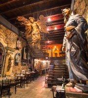 Santo Scenarium Bar e Restaurante