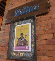 Selina Bogota