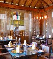 Ayam Zaman Crowne Plaza Hotel