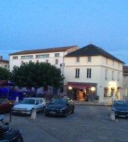 Marais Social Club