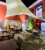 Officine Bocelli Food Court