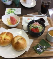Cafe Kuwanomi