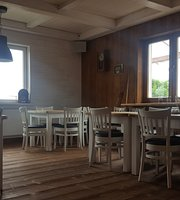 Istberg Cafe Restaurant & Room