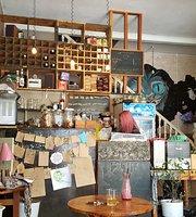 Muse Madness Cafe