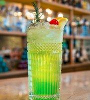 Amaro Bar & Lounge