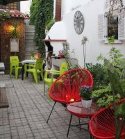 Pipa's Bistro Bar Lounge