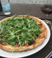 Rafael's Pizzaria