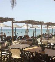 Aplostra Restaurant Beach Bar