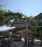 Tavern Manoleas